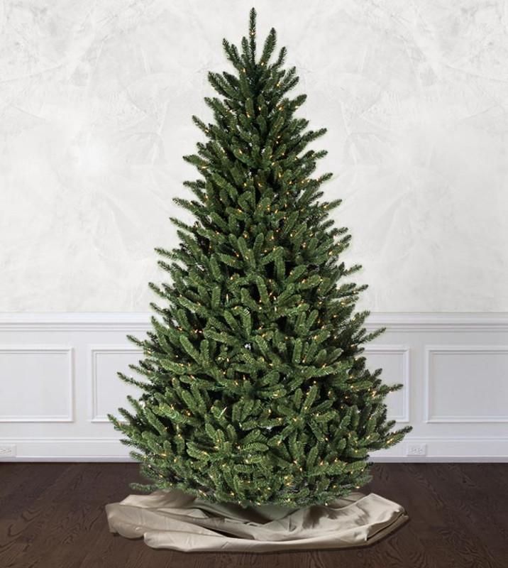 6 ft - 6.5 ft Christmas Trees